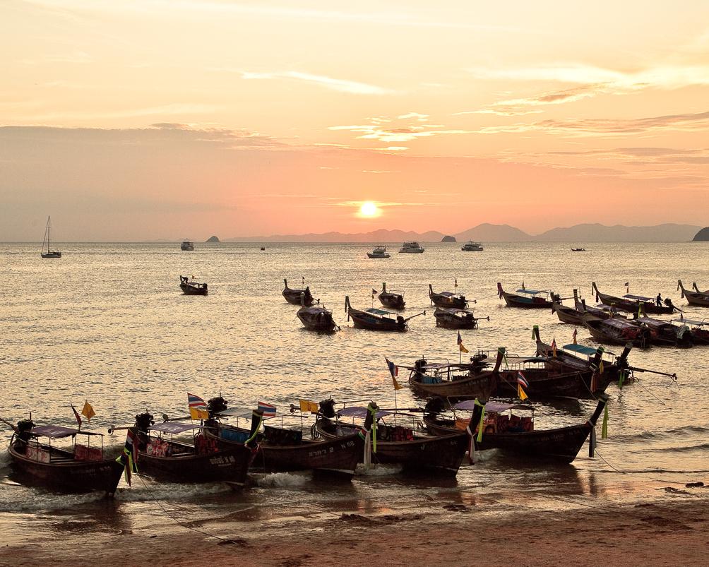 Sunset Ao Nang Beach 20110103-2014
